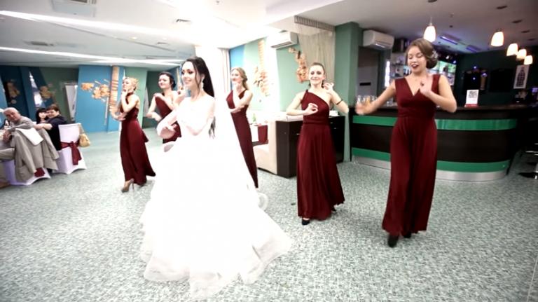 термобелье от сглаза невесты на свадьбе принято